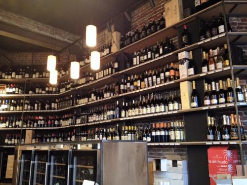 Blend wijnbar-wijnwinkel Brugge / Gent