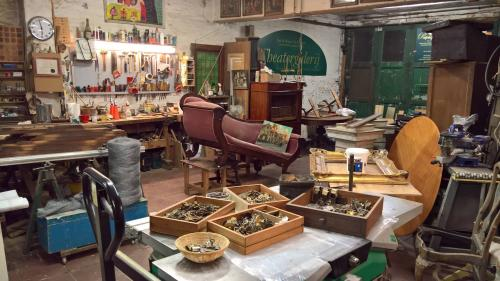 Antiek Theatergalerij & Atelier Papageno Brugge