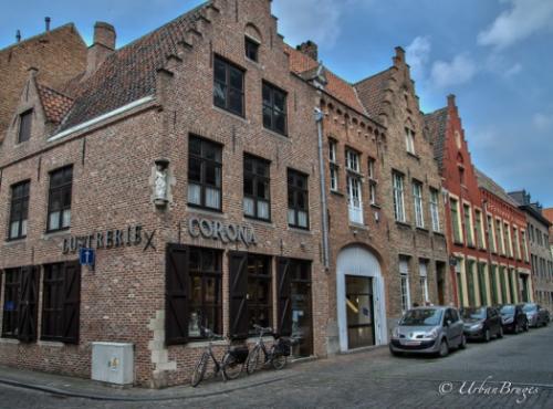 Corona Brugge / Brugge